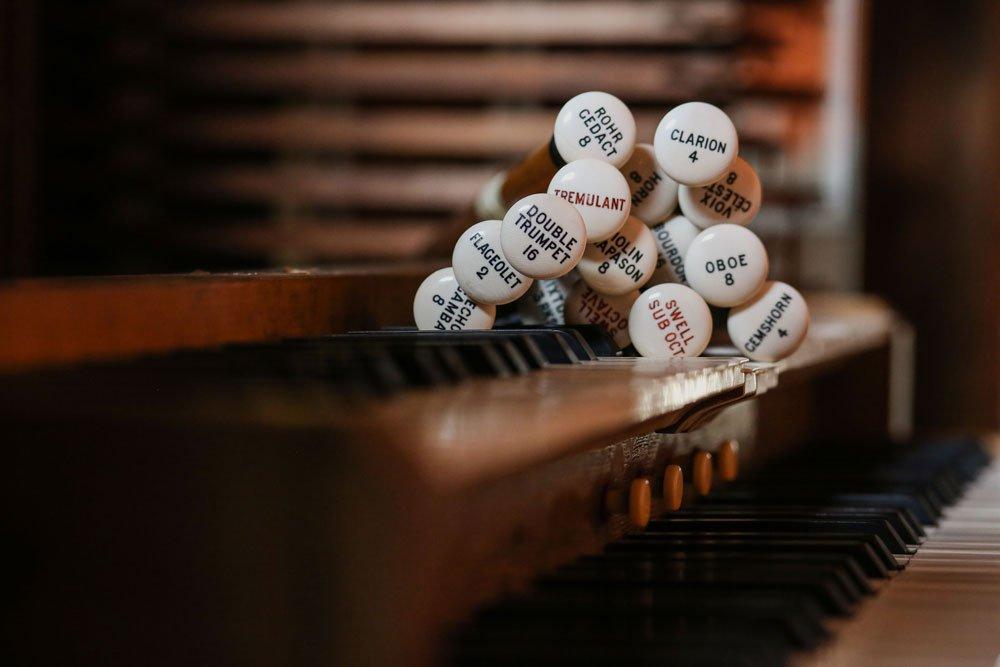 Organ stops on top of keyboard