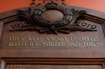 Inscription On Top Of Returning Soldiers' Tablet