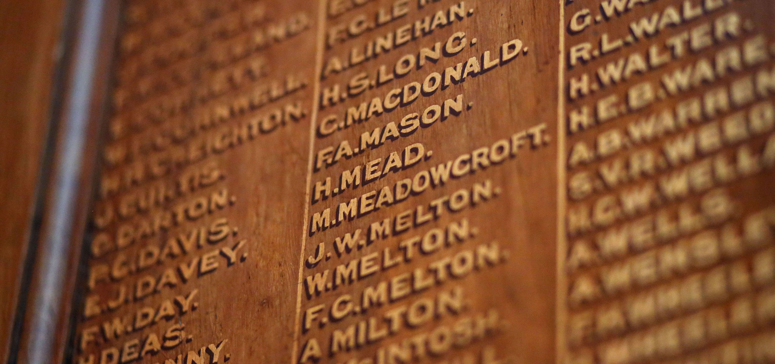 Tablet listing surnames and initials of returning soldiers